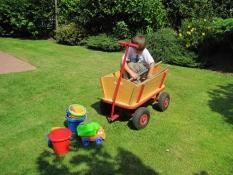 Bollerwagen für einfach schöne Ferien im Ferienhaus Kolks Carolinensiel Harlesiel an der Nordsee