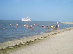 Schwimmen in Harlesiel in nächster Umgebung vom Ferienhaus Kolks in Carolinensiel Harlesiel an der Nordsee